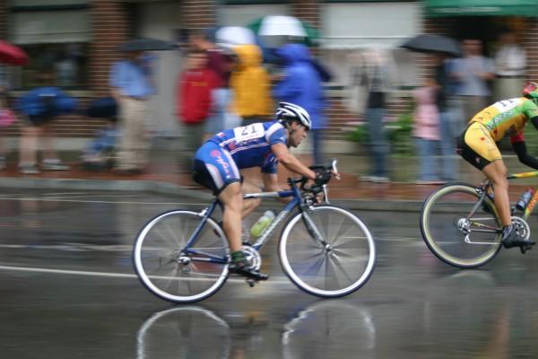 スピードで見る自転車図鑑。ロードバイクとママチャリの最高時速の差は?