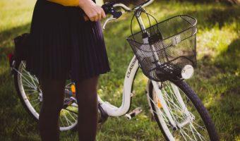 おしゃれ女子必見!自転車だってスカートでかわいく乗っちゃおう