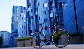 デローザのクロスバイクでワンランク上のシティバイク生活を送ろう!