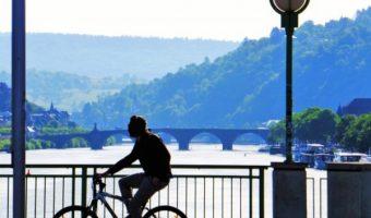 自転車通勤でラクラクダイエット!効率的な有酸素運動で理想の体を。