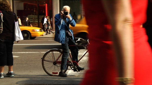 http://www.nytimes.com/2016/06/26/style/bill-cunningham-legendary-times-fashion-photographer-dies-at-87.html?_r=0