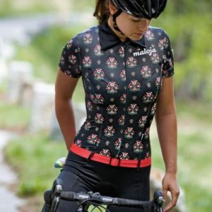 http://girls-and-bikes.tumblr.com/post/72655021741