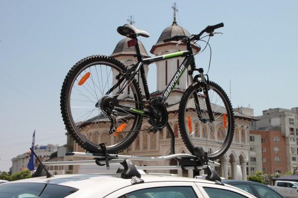 サイクルキャリアを使って愛車と旅に出たい!安全に運べるキャリア