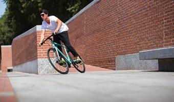 ビアンキ・カメレオンテは人気のクロスバイク。初心者にもおすすめ!