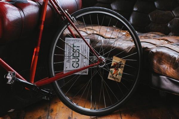 クロスバイクにおすすめのタイヤとは?適度な交換で走行性能アップ!