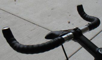 ブルホーンでクロスバイク、ロードバイクを快適に!バーテープもあり