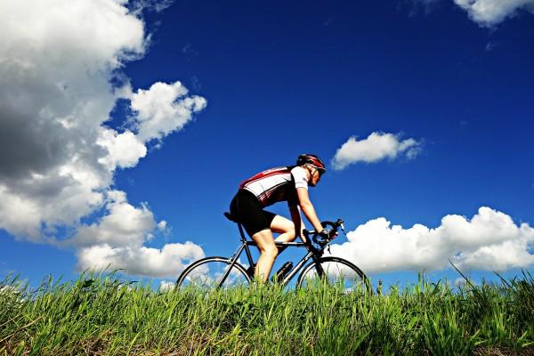 姿勢やポジションを理解して魅力的なクロスバイクを乗りこなそう!