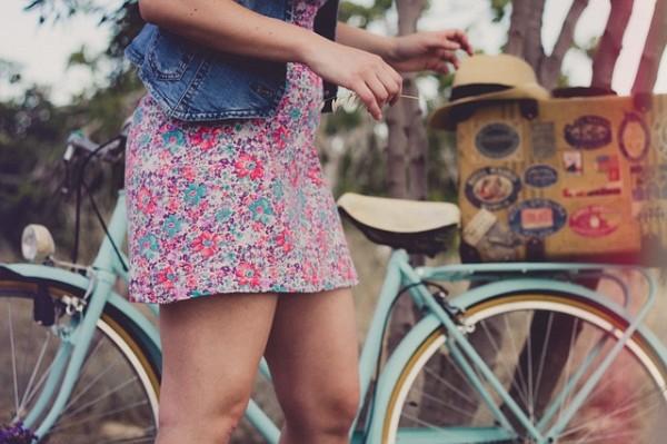 スカートで自転車に乗りたい女子必見!汚れやめくれを防ぐ方法とは?