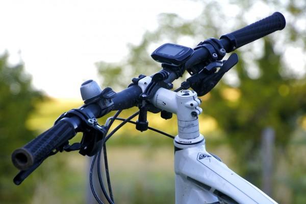 スポーツバイクで街乗りしよう!おすすめバイクやヘルメットもご紹介