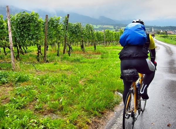 秋だ!ロードバイクで旅しよう。必要な装備と準備で安心ロングライド