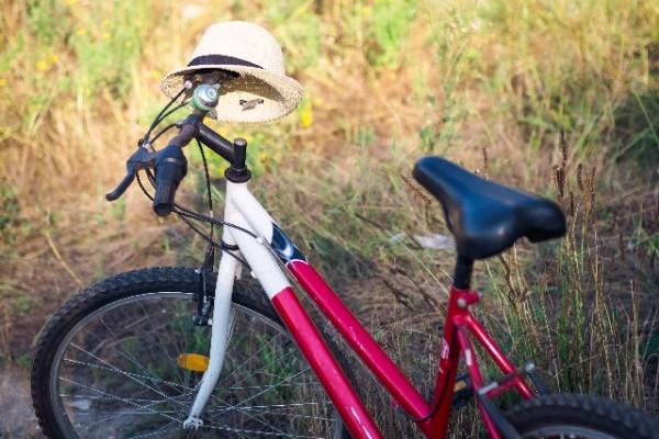 自転車乗るならヘルメットもおしゃれに!おすすめヘルメットのご紹介