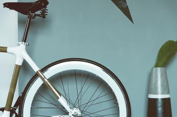 ロードバイクのホイール交換に挑戦!スピード感の変化を楽しめます
