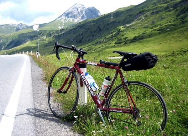 ロードバイク軽量化はどこまで可能か。軽いことのアドバンテージは?