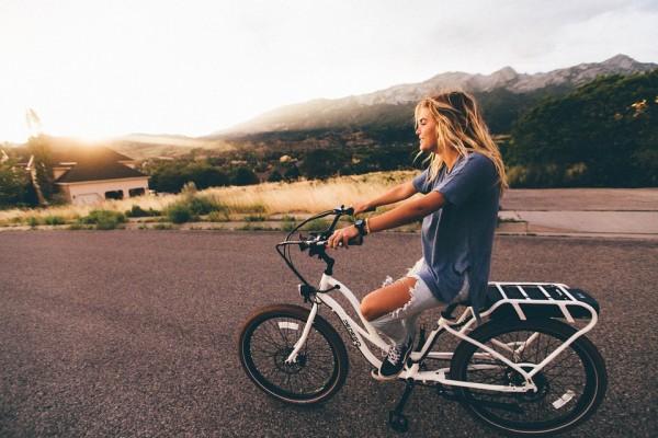 自転車ガールのスタイルはさまざま。写真を交えてまとめてみました。