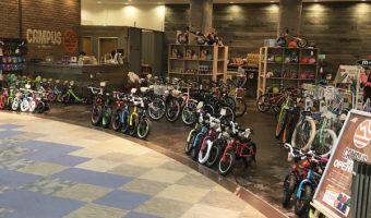 湘南魂溢れるバイクやグッズ満載! 新ライフスタイルショップが湘南&お台場にオープン