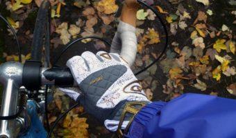 冬の自転車にマストな手袋。暖かさとフィット感がおすすめのポイント