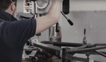【必見動画】カーボンフレームの製作工程に驚きと感動の秘密が!