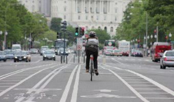 自転車同士でなぜか勘に障る追い越し。意地の張り合いは自転車の最大あるある