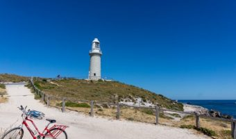 晴天の海岸線をサイクリング!水平線を臨む日本ベストコース8選