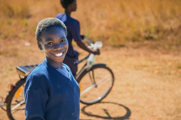 一台の自転車がアフリカを救う!?~教育支援に繋がる奇跡の乗り物~
